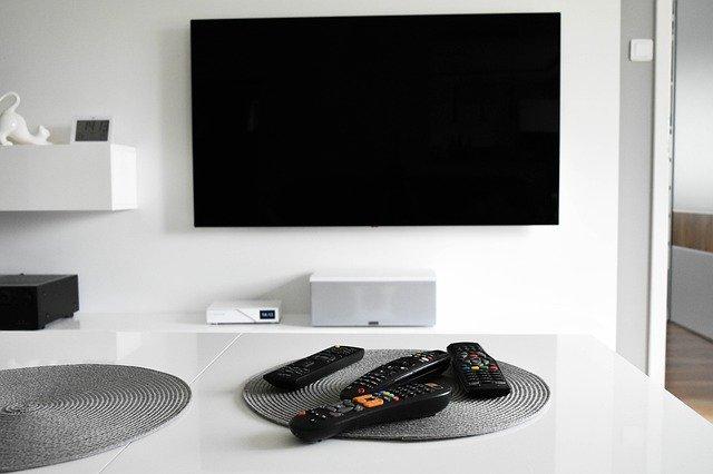 Oglądaj telewizje i filmy online